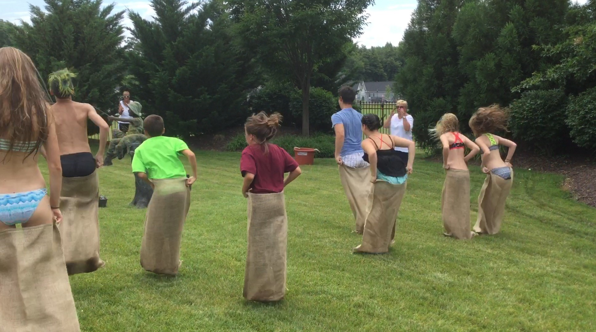 FFD-Sack Race
